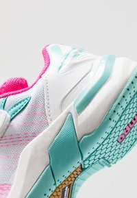 Kempa - ATTACK CONTENDER JUNIOR CAUTION - Handball shoes - white/turquoise - 2