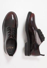 Walk London - JAZZ DERBY - Zapatos con cordones - oxblood/black - 1