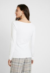 Anna Field - BASIC - Topper langermet - white