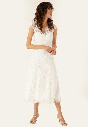 Vestido de fiesta - snow white