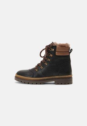 GERT - Zimní obuv - black
