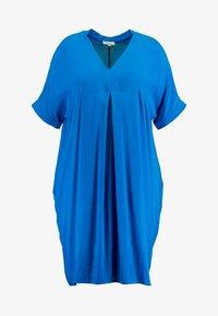 Live Unlimited London - MANDARIN COLLAR DRESS - Vapaa-ajan mekko - bright blue - 4