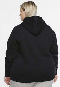 Nike Sportswear - GRANDE TAILLE - Fleece jumper - black/white - 2