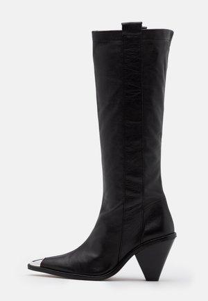 TULIP POINT KNEE - Vysoká obuv - black