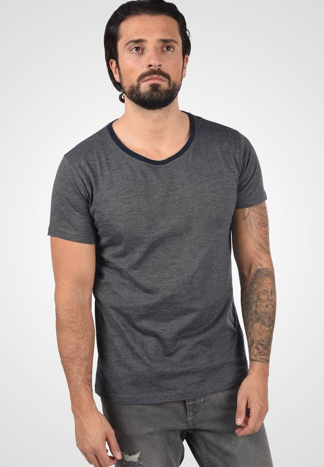 NED - Print T-shirt - insignia blue melange