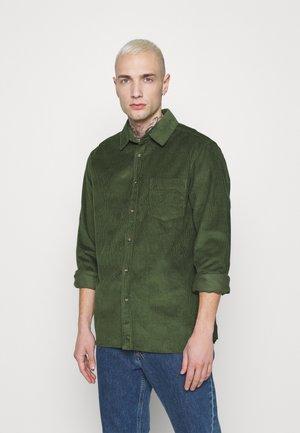 MICROS TOBACCO - Camisa - green