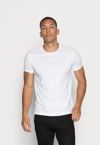 Calvin Klein Jeans - SLIM 2 PACK - T-shirt - bas - bright white/black beauty - 3
