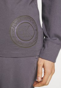 Calvin Klein Underwear - ICONIC LOUNGE PANT SET - Pyjama set - purple haze - 3