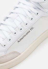 adidas Originals - AMERICANA SPORTS INSPIRED MID SHOES UNISEX - High-top trainers - footwear white/glory blue/core black - 5