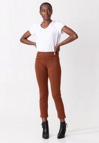 Indiska - AMARA - Trousers - brown - 0