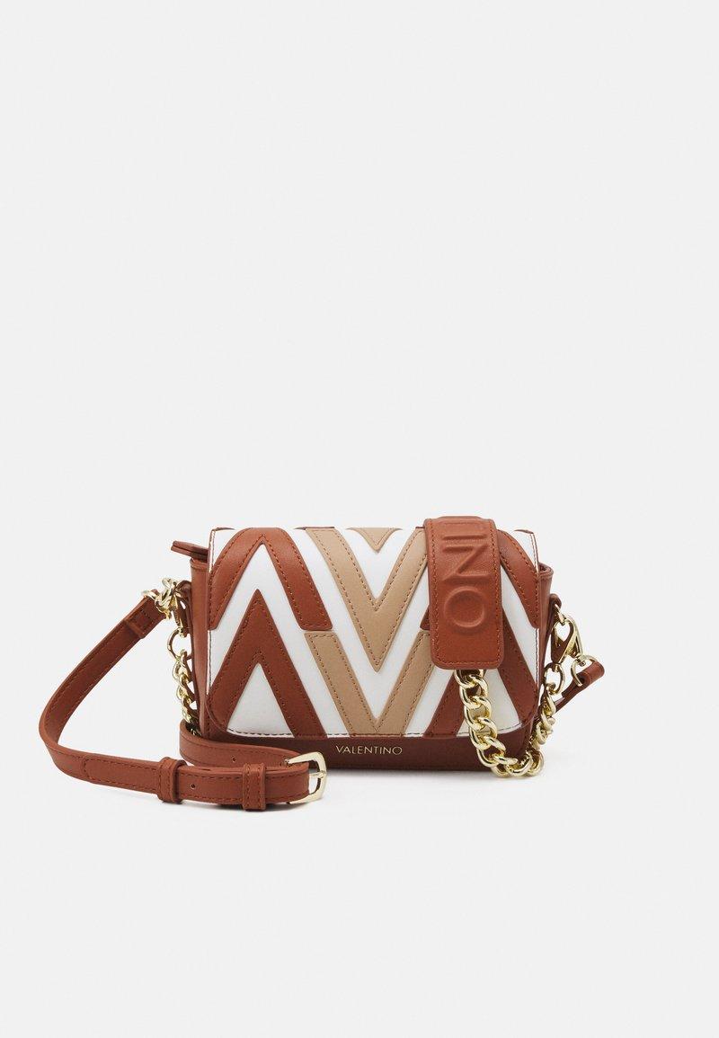 Valentino Bags - ANTEA - Käsilaukku - cuoio/multicolor