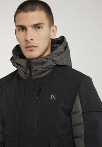 CHASIN' - Winter jacket - black - 5