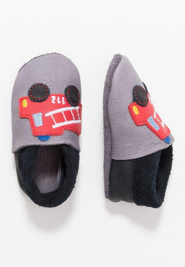 FEUERWEHR - Chaussons pour bébé - graphit nero