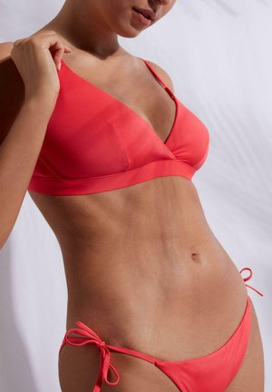 MIT WATTIERUNG - Bikini top - glossy red