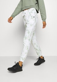 Cotton On Body - GYM TRACK PANT - Tracksuit bottoms - mint chip - 3
