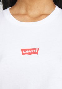 Levi's® - THE PERFECT TEE BABY BATWING - T-shirt con stampa - white graph - 5