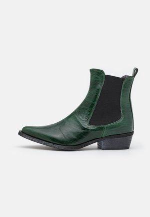 PALOMA - Cowboy/biker ankle boot - raja verde