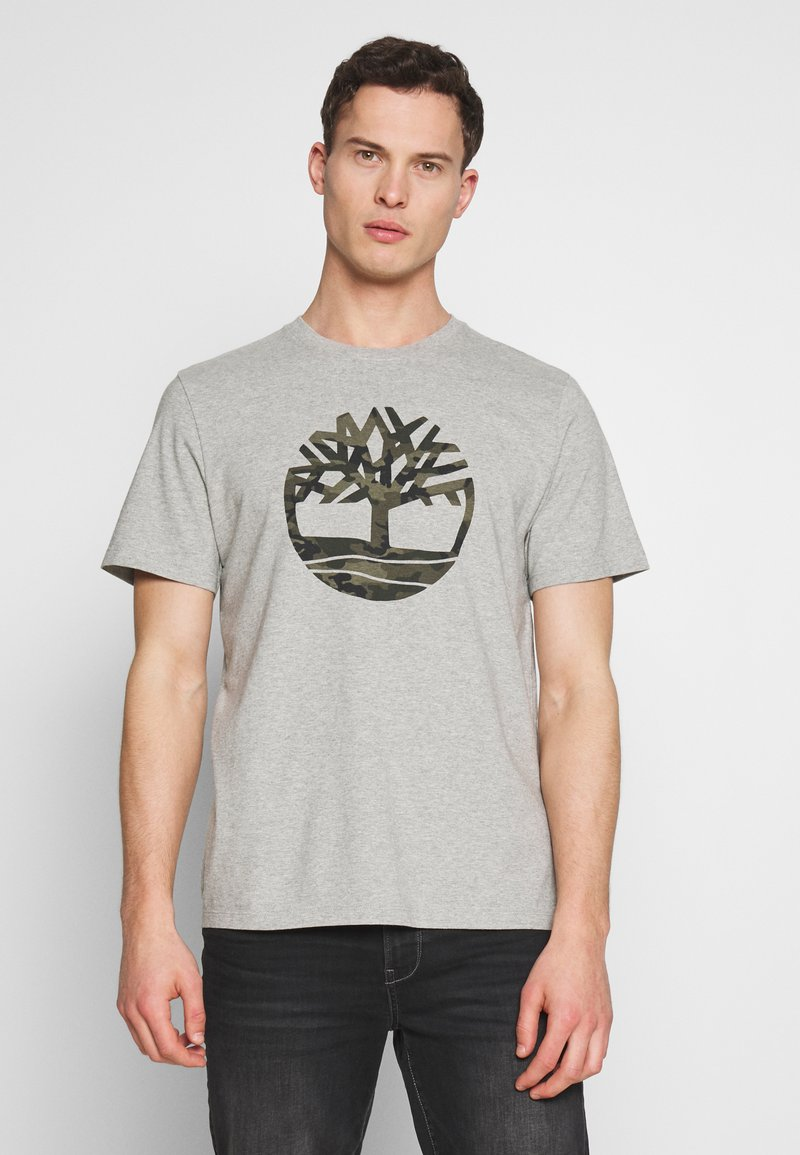 Timberland - KENNEBEC RIVER CAMO TREE TEE - Print T-shirt - medium grey heather