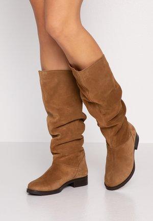 Boots - avellana