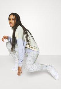 Nike Sportswear - Legging - white - 3