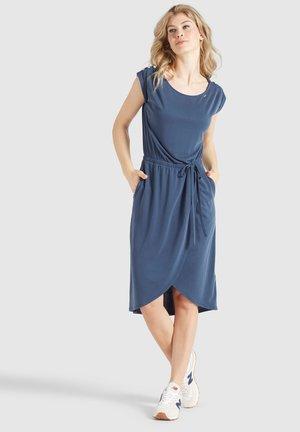 CLAUDIA - Sukienka etui - dunkelblau