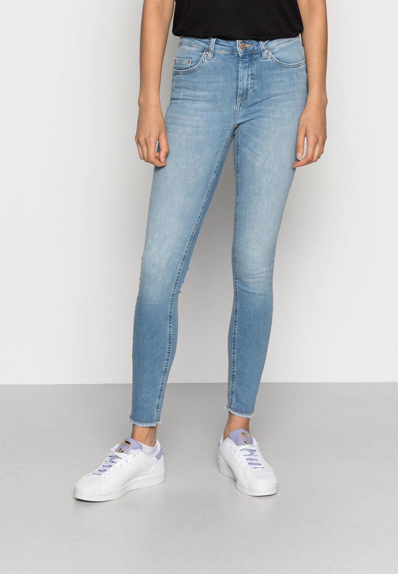 ONLY - ONLBLUSH - Jeans Skinny Fit - light blue denim