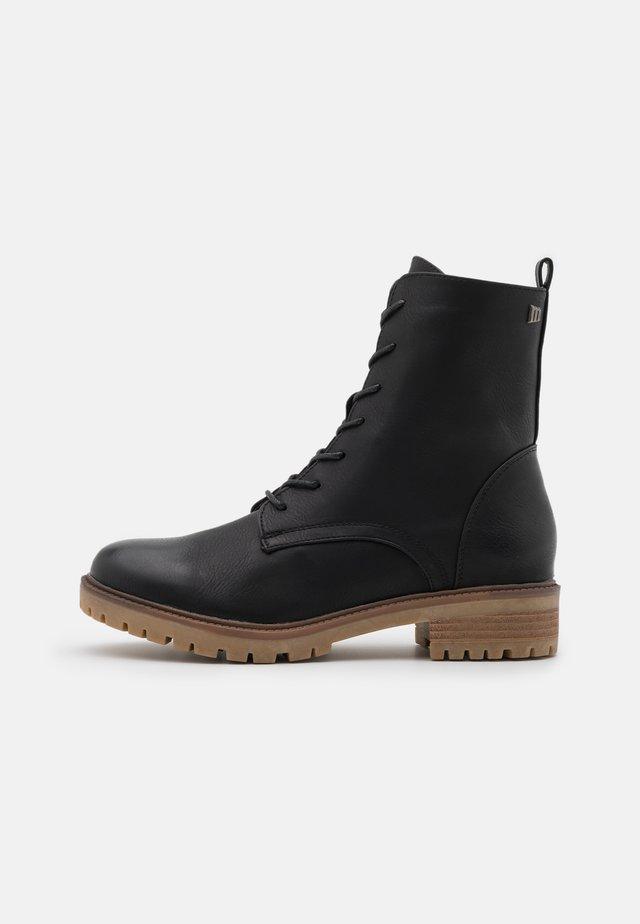 CAMPA - Šněrovací kotníkové boty - black