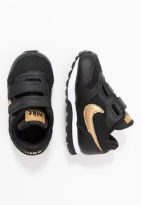 Nike Sportswear - RUNNER 2 - Trainers - black/metallic gold/white - 0