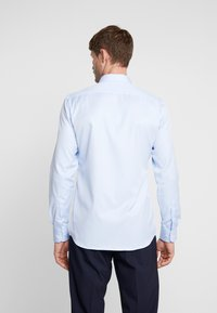Eterna - SLIM FIT  - Formal shirt - light blue - 2