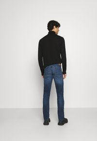 Mustang - OREGON  - Jeans Tapered Fit - denim blue - 2