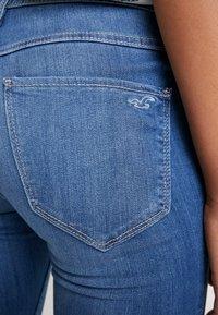 Hollister Co. - HIGH RISE - Jeans Skinny Fit - blue denim - 4