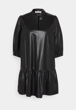GIANA DRESS - Denní šaty - schwarz