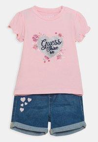 Guess - SET - Print T-shirt - alabaster pink - 0