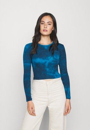 TIE DYE BABY TEE - Bluzka z długim rękawem - blue