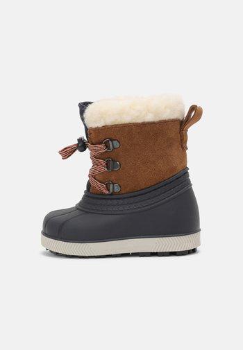 LEATHER UNISEX - Winter boots - cognac