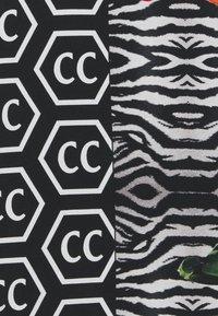 Carlo Colucci - Triko spotiskem - black - 2