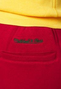 Mitchell & Ness - COLORBLOCKED - Sports shorts - dark green - 5