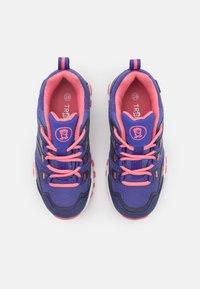 TrollKids - KIDS RONDANE LOW UNISEX - Hiking shoes - dark purple/coral rose - 3
