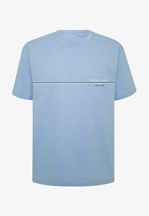 GILBERT - Print T-shirt - bay