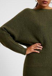 KIOMI - Stickad tröja - khaki - 4