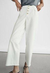 Massimo Dutti - Jeans Straight Leg - white - 0