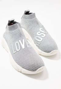Love Moschino - LOVE SOCKS - High-top trainers - silver glitter - 7
