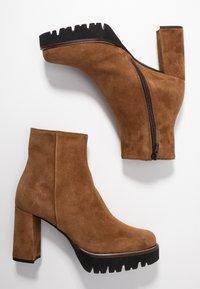 Maripé - High heeled ankle boots - cognac - 3