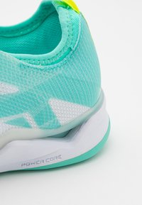 Kempa - WING LITE 2.0 WOMEN - Zapatillas de balonmano - white/turquoise - 5