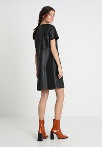 Opus - WASINE - Korte jurk - black - 2