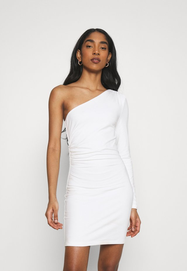 ONE SHOULDER CUT DETAIL DRESS - Sukienka koktajlowa - white