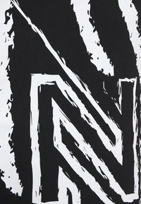 NIKKIE - CLAW DRESS - Žerzejové šaty - black - 6