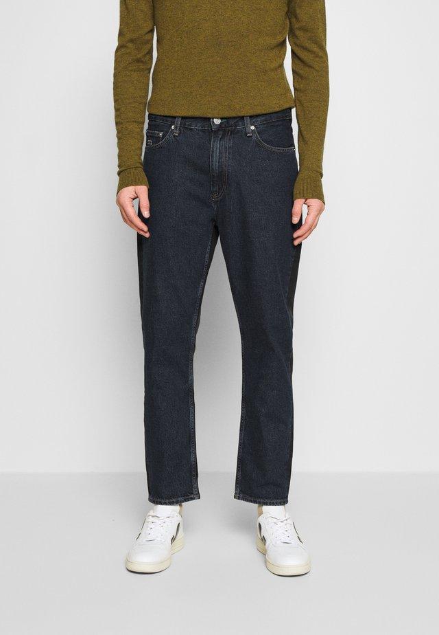 DAD STRAIGHT - Straight leg jeans - dark-blue denim