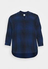 Lee Plus - ESSENTIAL BLOUSE - Bluzka - washed blue - 0