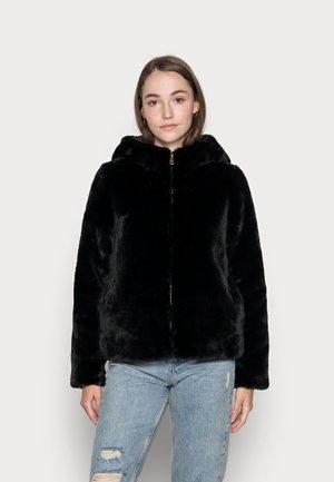 VMSUIHOODIE SHORT JACKET - Winter jacket - black